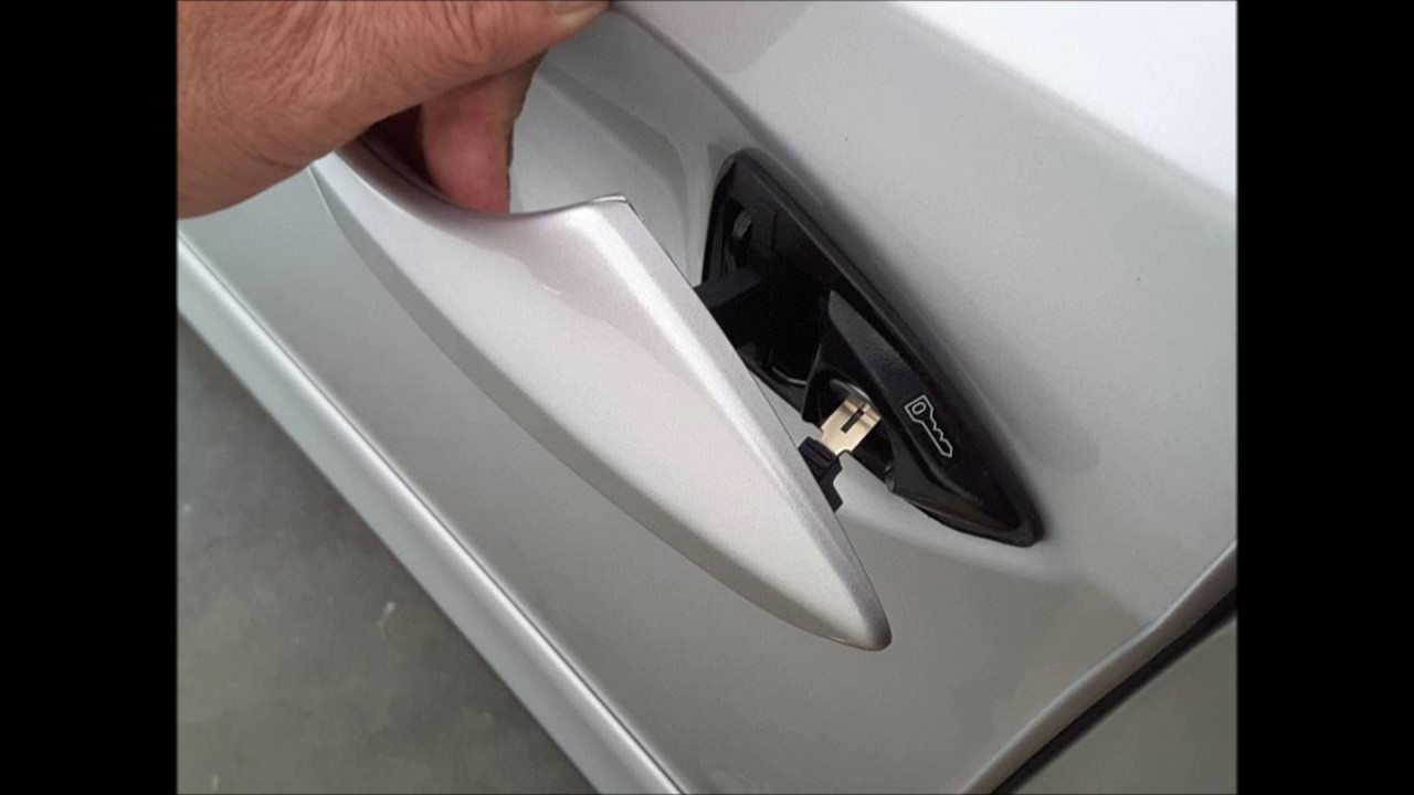 lexus manual key